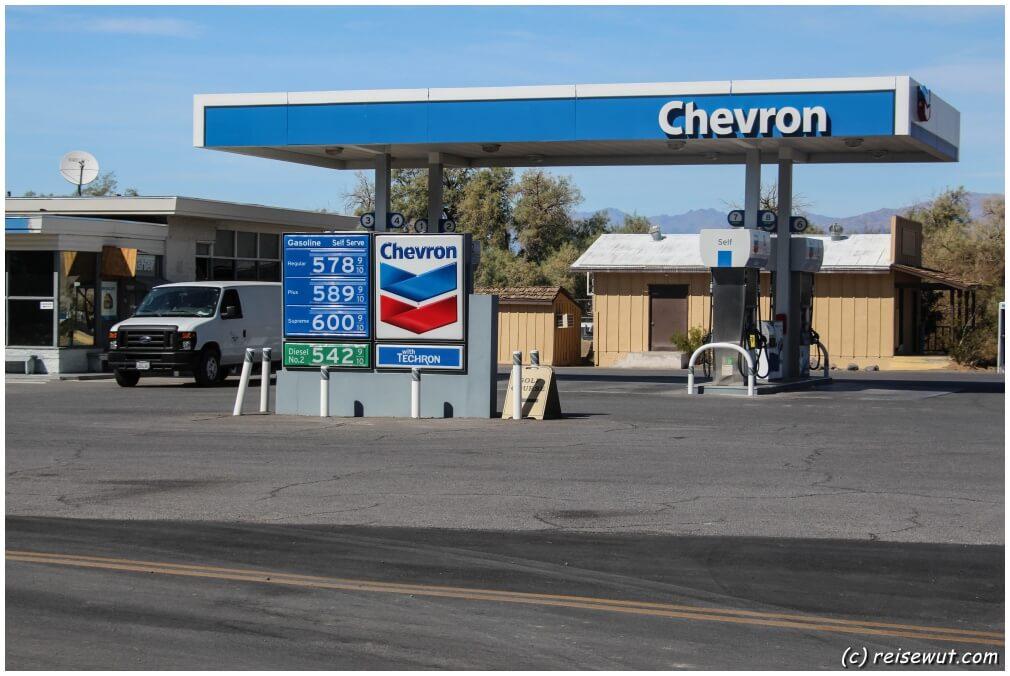Tanken im Death Valley !! Die Spritpreise sind auch nicht mehr das was sie mal waren