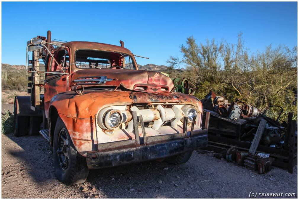 Old Car Goldfield Ghost Town