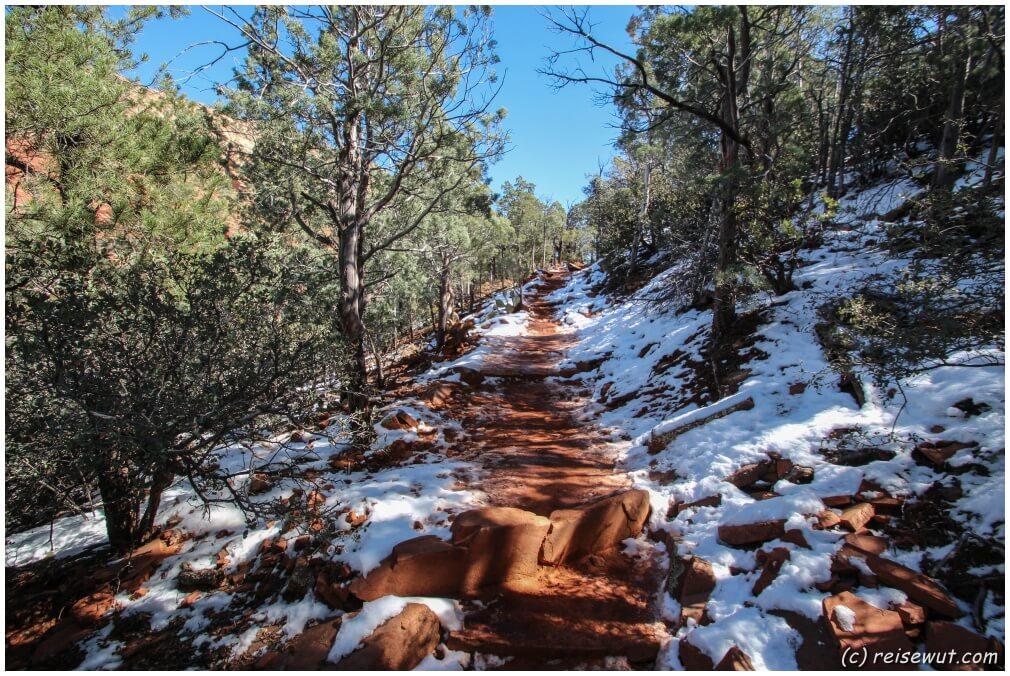 """Wenn man Glück hat ist der Trail """"schneefrei"""""""
