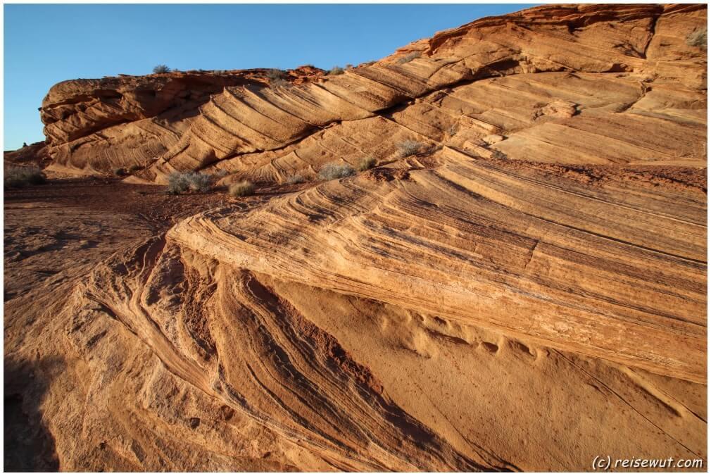 Krasse Wellenformationen im Sandstein beim Horseshoe Bend