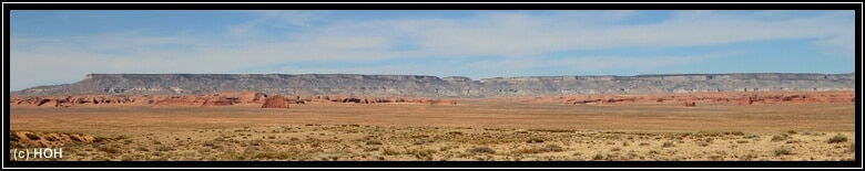 Blick von der Mesa hinab, irgendwo da unten soll sich der Hope Arch befinden