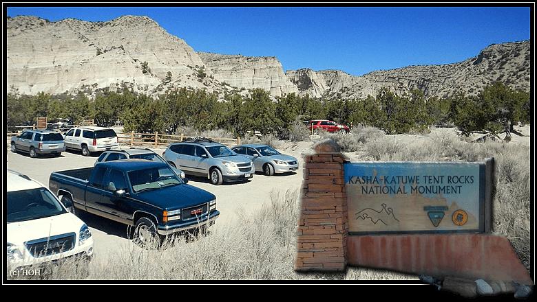 Der Parkplatz bei den Kasha-Katuwe Tent Rocks ist gut gefüllt heute