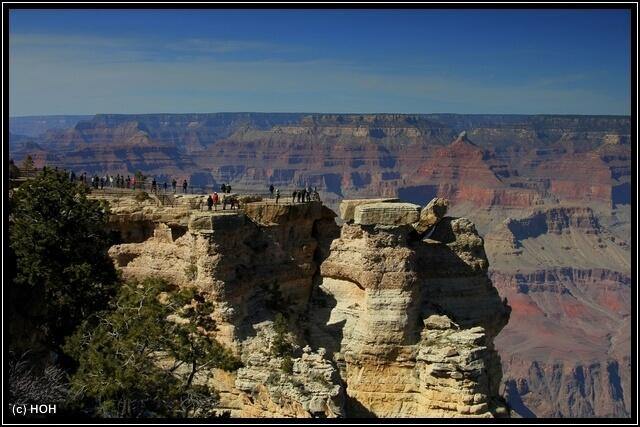 Einer der zahlreichen Scenic Points am South Rim des Grand Canyons