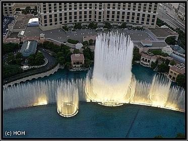 Die Fountains vorm Bellagio aus der Höhe gesehen