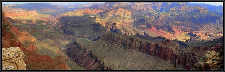 Grand Canyon vom Mather Point aus gesehen ... rechts am Bildrand der Colorado River
