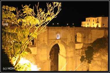 Puente Nuevo bei Nacht