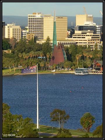 Blick vom Kings Park auf den Bell Tower