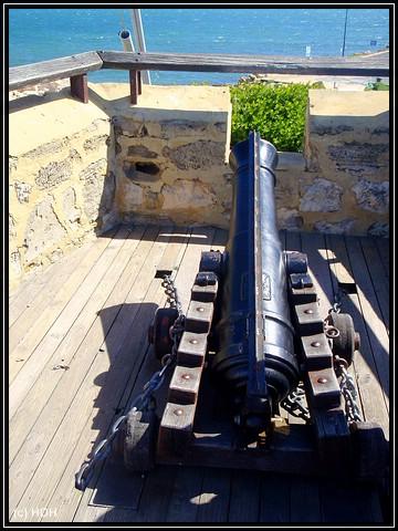 Kanonen vorne beim Round Hose