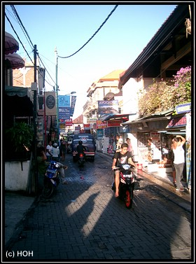 Kuta Shopping Road