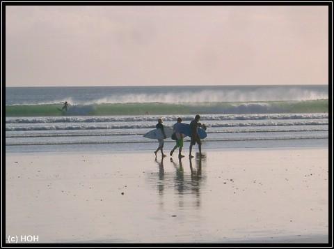 Surfing Kuta