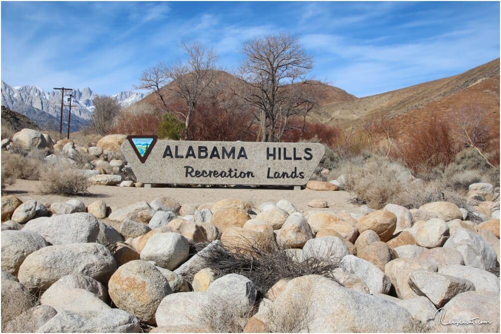 Dieses Schild kennzeichnet den Eingang der Alabama Hills
