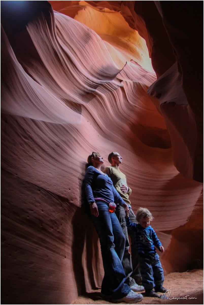 Auch wir hatten unseren Zwerg (damals 2.5 Jahre) mit im Upper Antelope Canyon