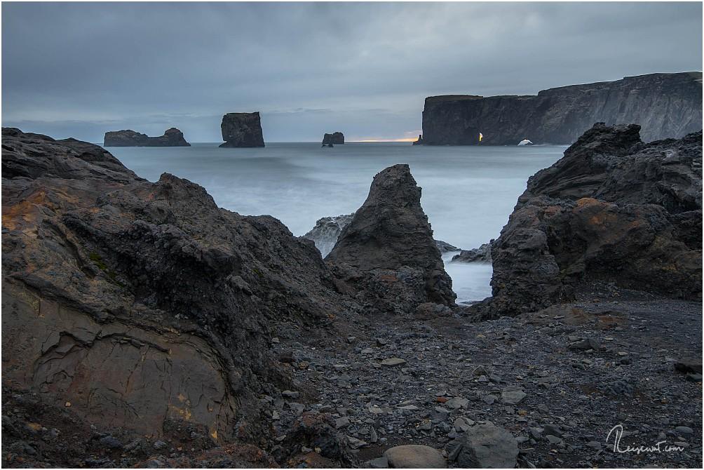 Einer der unteren Aussichtspunkte mit Blick auf die Felstorinsel