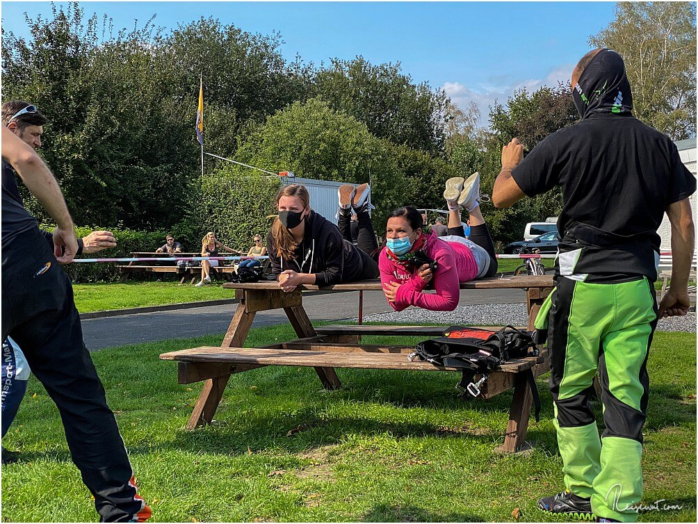 Einweisung und Trockenübungen für den Tandemsprung in wenigen Minuten