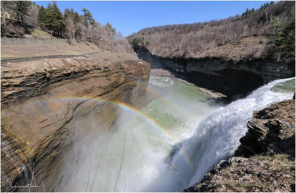 Doppelregenbogen bei den Upper Falls im Letworth State Park