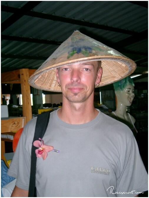 Stylische Hütchen gibt es in Thailand
