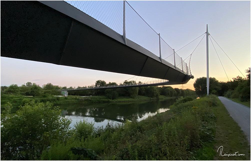 Radwege links und rechts der Brücke geben eine gute Anbindung