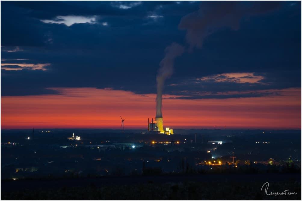 Das Kraftwerk in Datteln muss ausnahmsweise mal als Fotomotiv für diesen Sonnenaufgang herhalten.