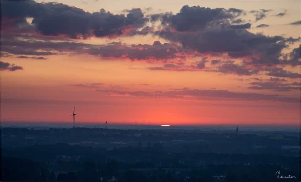 Der Moment, wo die Sonne über den Horizont guckt