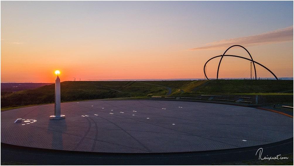 Ein Versuch die Sonne als Obelisk-Kugel zu platzieren