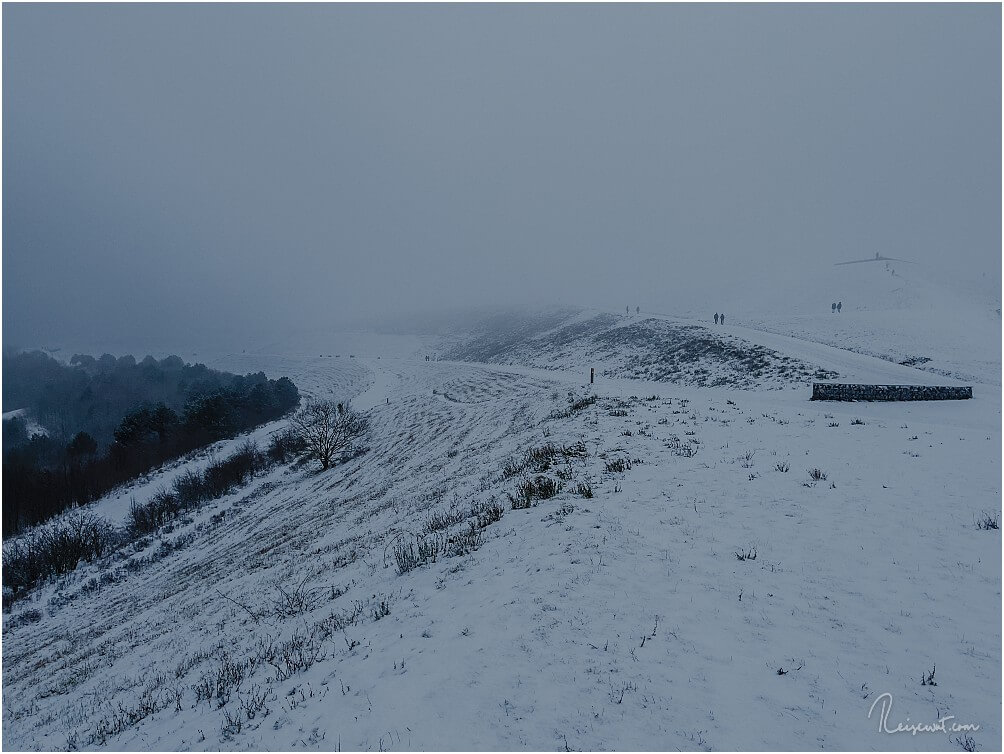 Fast schon mystische Stimmung auf der Halde Hoheward bei Schnee