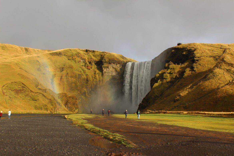 Der Skogafoss ist einer der beeindruckendsten Wasserfälle im Süden Islands