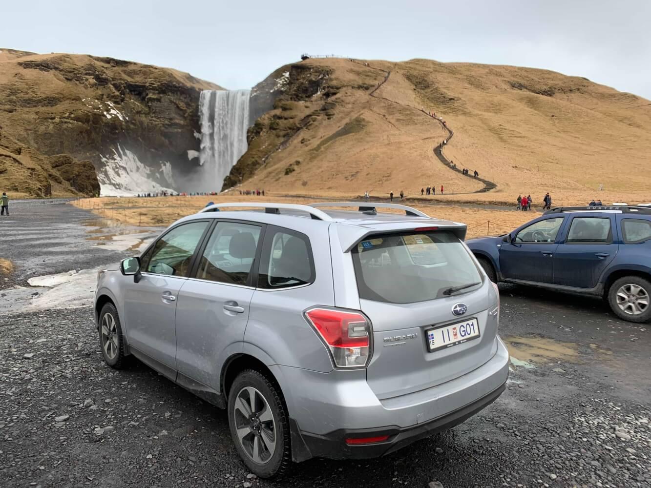 Der Mietwagen verschlingt meistens einen Großteil des Reisebudgets in Island