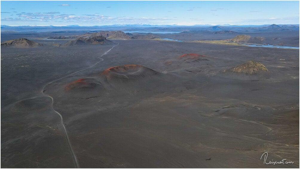 Die kleine Kratergruppe der Red Cones ... einen offiziellen Namen gibt es glaube ich nicht