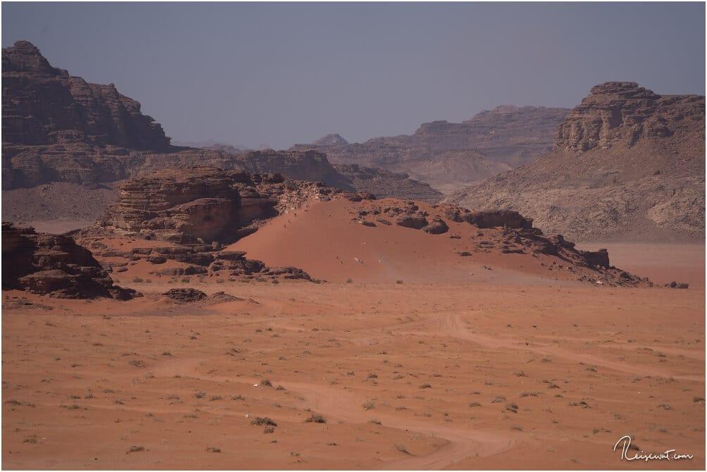 Die Big Red Sand Dune vom Wadi Rum Nomads Basecamp aus fotografiert