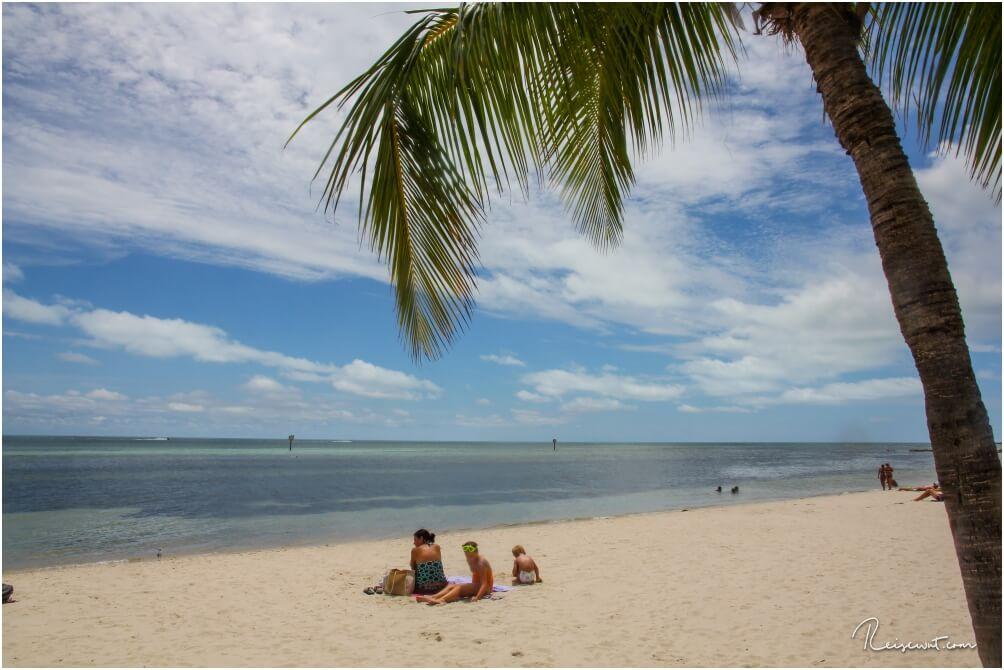 Der Smathers Beach. Schön, weitläufig, mit Palmen gesäumt und flach abfallendes Wasser. So muss das sein.