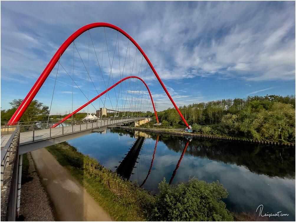 Die Doppelbogenbrücke in Nordsternpark ist ein beliebtes Fotomotiv