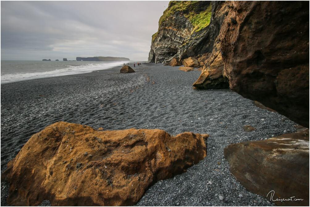 Dieser Bereich vom Strand ist inzwischen leider wegen eines Geröllabgangs nicht mehr zugänglich
