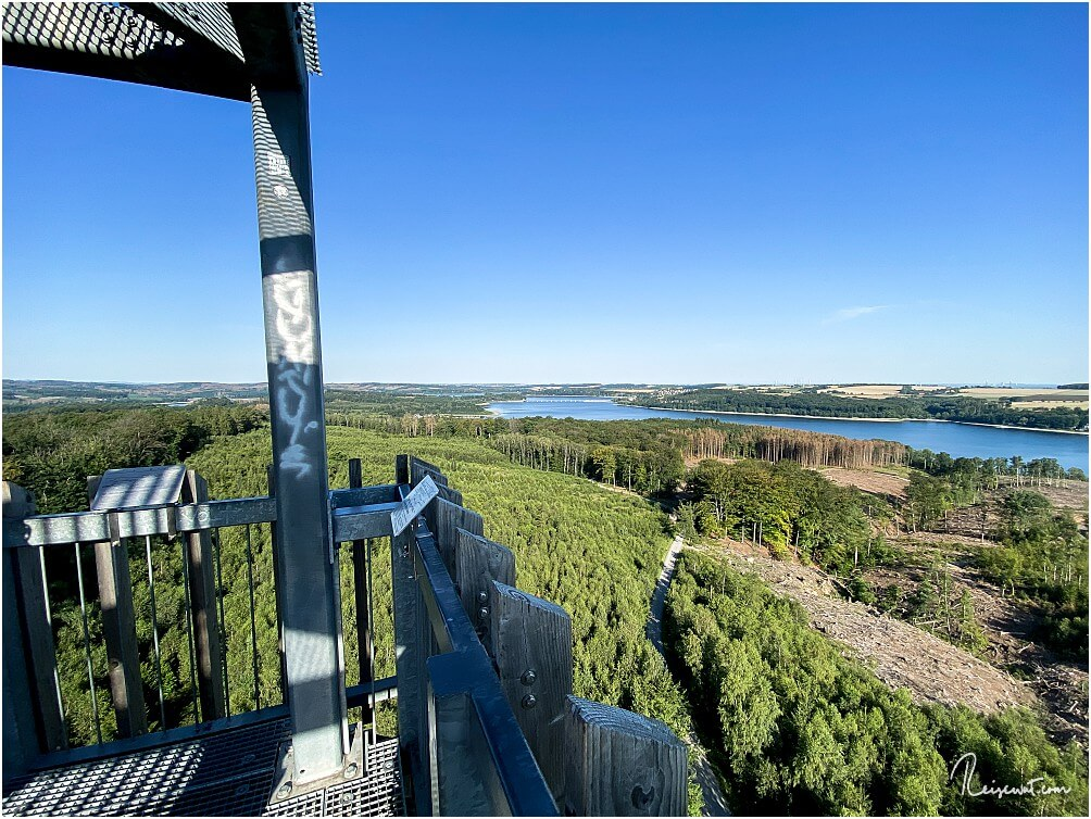 Der Möhnesee-Turm öffnet eine tolle Sicht über die komplette Umgebung