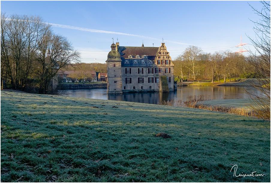 Schloss Bodelschwingh von der östlichen Seite aus fotografiert