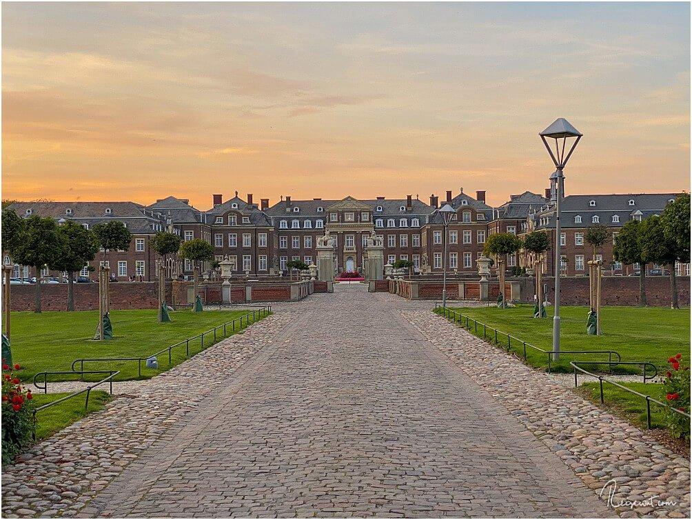 Der imposante Eingangsbereich von Schloss Nordkirchen