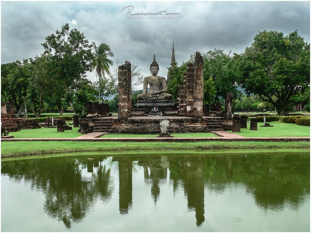 Wat Mahathat in Sukothai in Thailand