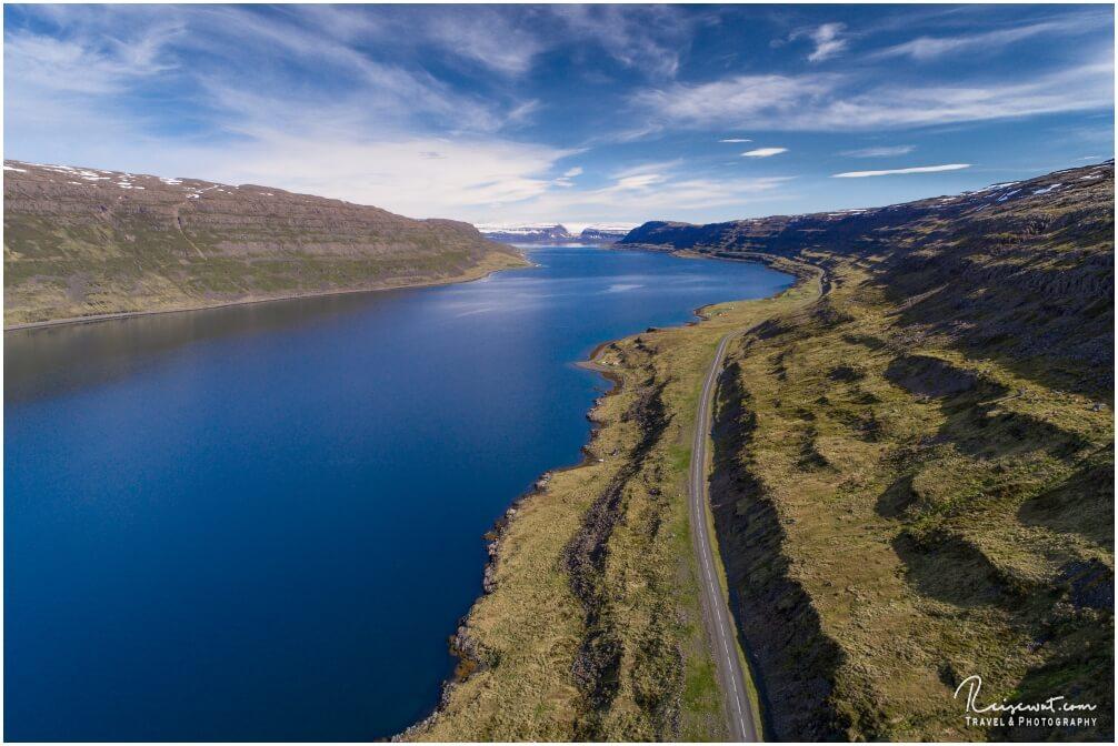 Von unten sind die Westfjorde schon verdammt schön, aus der Luft mit einer Drohne aber nochmal um ein Vielfaches schöner