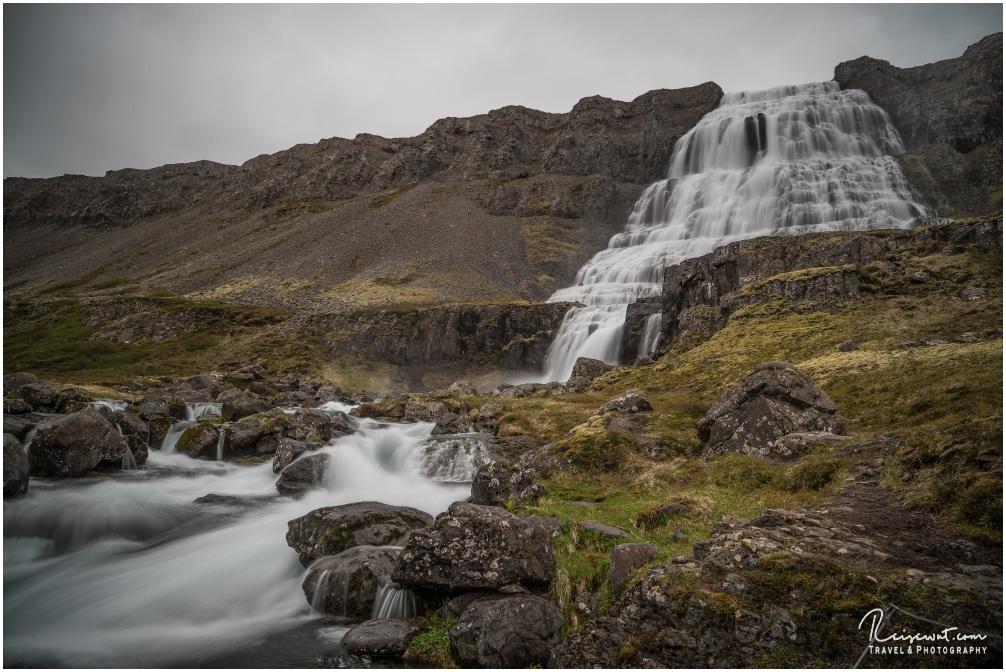 Der Dynjandi, einer der wohl schönsten Wasserfälle von ganz Island
