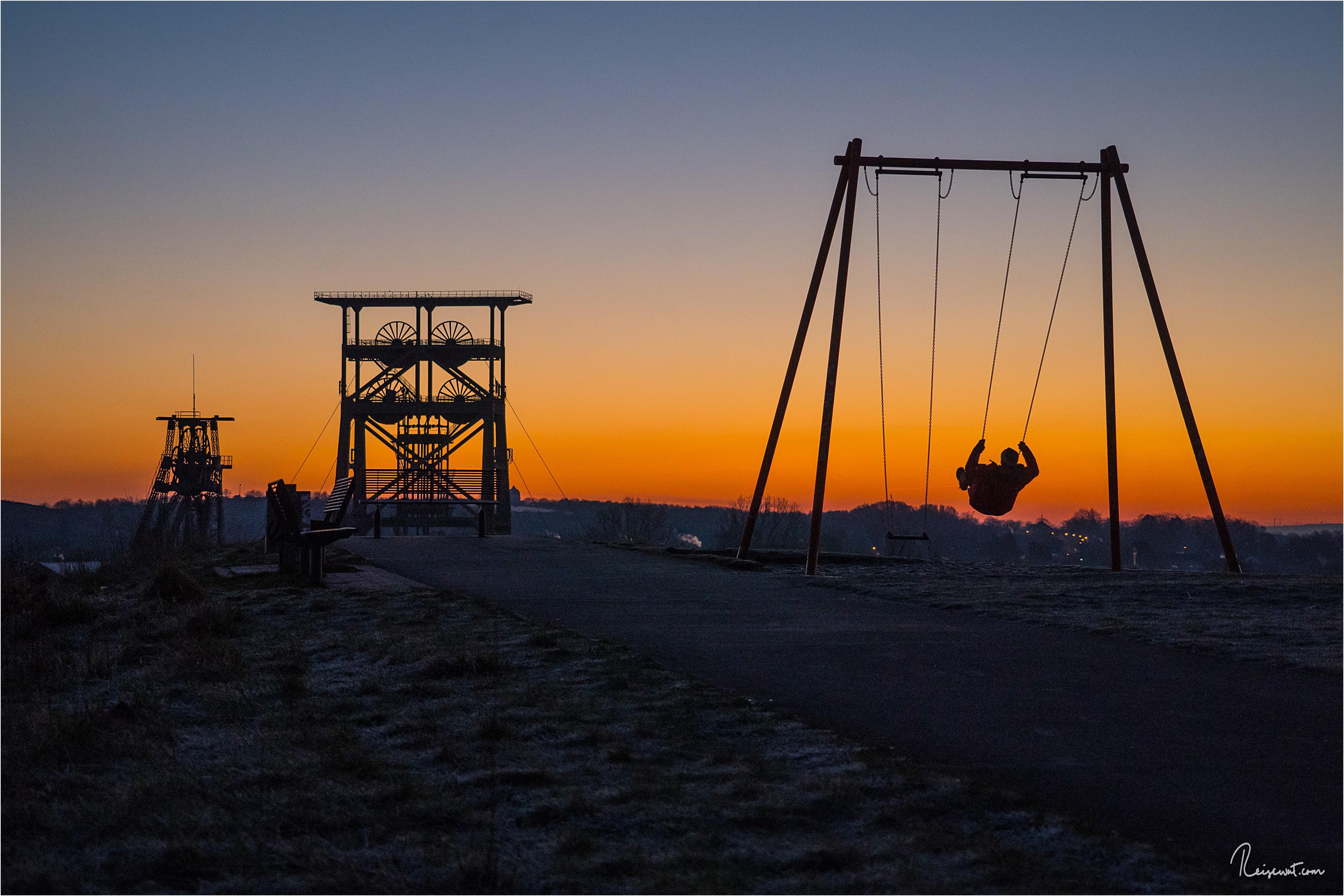 Die Schaukel am Aussichtspunkt auf die Zeche Gneisenau hat fast das Zeug zum Instagram-Spot