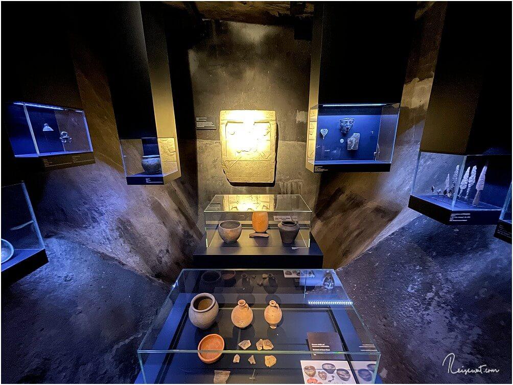 So oder so ähnlich sehen die unterschiedlichen Bereiche (Kammern) im Museum auf der ersten Ebene statt
