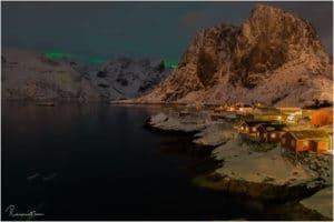 Leichte Polarlichter über dem Resort Eliassen