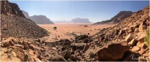 Der Blick von Lawrence Spring ins Wadi Rum