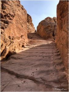 Endlos erscheinende, steile Stufen auf dem Indiana Jones