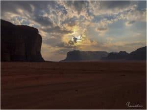 Kurz vor Sonnenuntergang im Wadi Rum