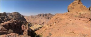 Aussicht auf dem Weg hoch zur Monastery Ad Deir