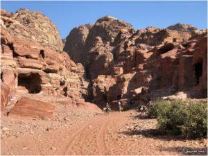 Der Beginn der Wanderung zur Monastery