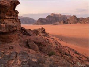 Ausblick ins Wadi Rum von einem Felsen oberhalb unseres Camp
