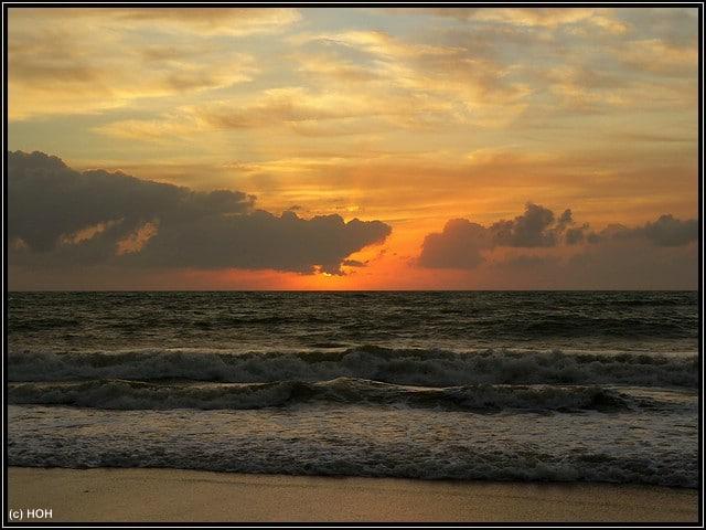 Sonnenaufgang am Strand von Bahia