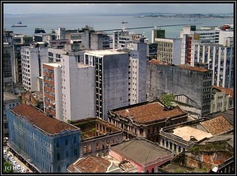 Savador - Blick auf die Unterstadt vom Vorplatz des Rathauses