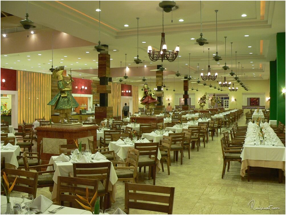 Eines der zahlreichen Restaurants im Iberostar Praia do Forte